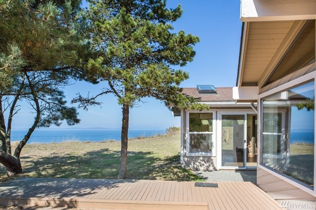 2035 West Beach Rd, Oak Harbor, WA - USA (photo 5)