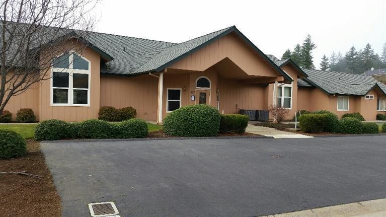 221 Cedar Ridge Drive, Cave Junction, OR - USA (photo 5)