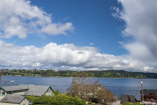 3643 Beach Dr E, Port Orchard, WA - USA (photo 3)