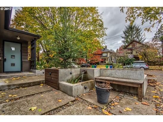 3936 Ne Couch St, Portland, OR - USA (photo 3)
