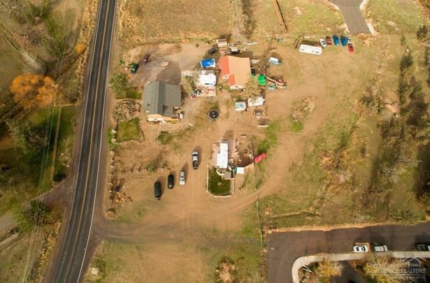 2052 Southwest Helmholtz Way, Redmond, OR - USA (photo 3)