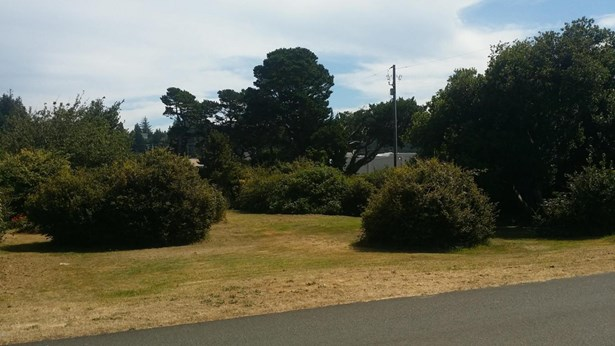Lot 56 N Bay St, Waldport, OR - USA (photo 2)