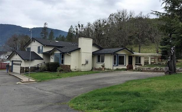 607 Third Street, Rogue River, OR - USA (photo 1)