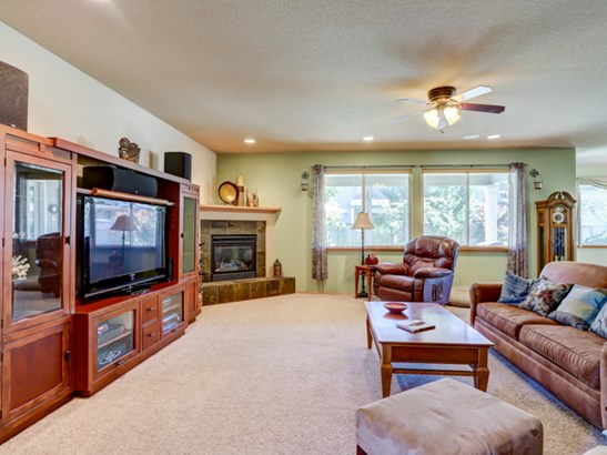 3812 Nw 3rd Ave, Hillsboro, OR - USA (photo 4)