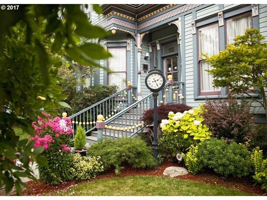 1006 Taylor St, Eugene, OR - USA (photo 2)