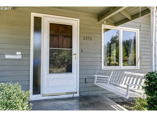 2393 Emerald St, Eugene, OR - USA (photo 2)