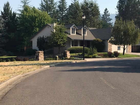 1024 Anglers Place, Shady Cove, OR - USA (photo 1)