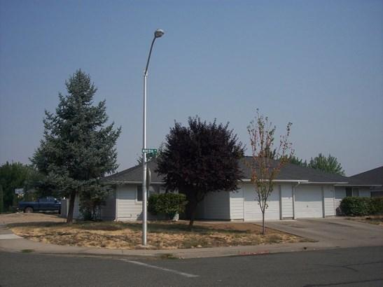 492 494 Minerva Avenue, Eagle Point, OR - USA (photo 1)