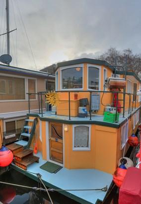 Lake Union Houseboat (photo 1)
