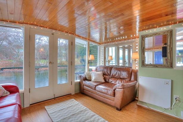 Lake Union Houseboat (photo 2)