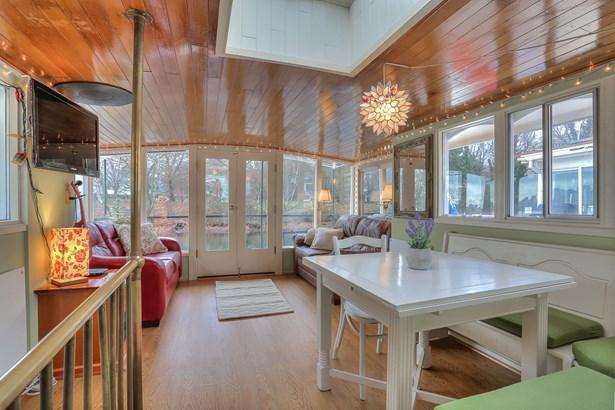 Lake Union Houseboat (photo 4)