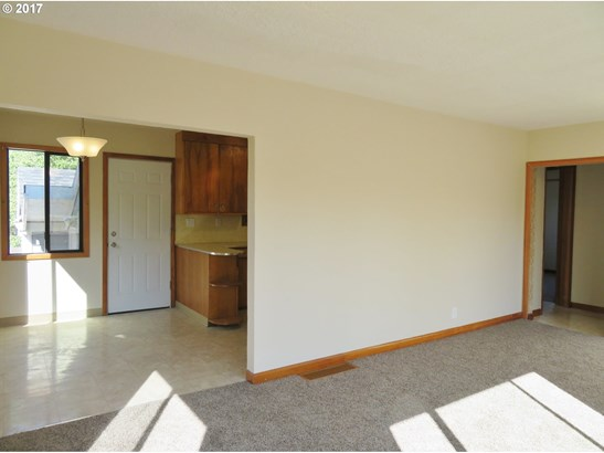 650 N 19th Ave, Cornelius, OR - USA (photo 4)