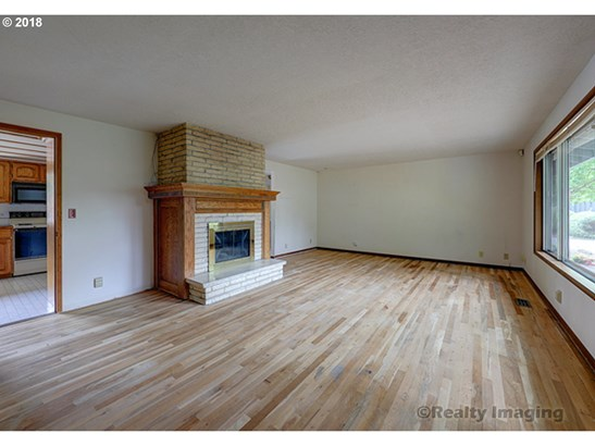 9585 Sw Imperial Dr, Portland, OR - USA (photo 5)