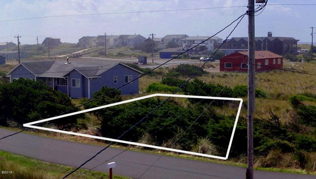 1510 Nw Parker Ave, Waldport, OR - USA (photo 3)