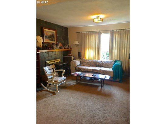 129 Ne 162nd Ave, Gresham, OR - USA (photo 4)