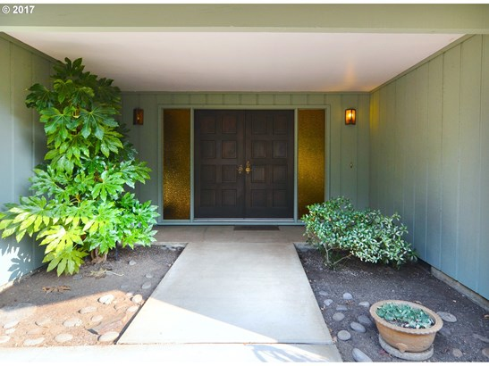775 W 40th Ave, Eugene, OR - USA (photo 4)