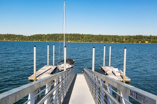 Dock & Beach (photo 5)