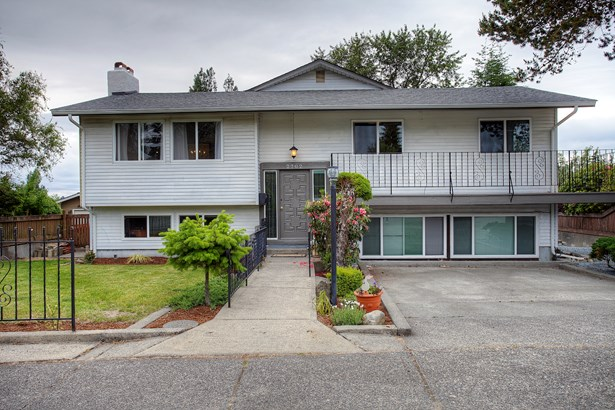 2702 N Bristol St, Tacoma, WA - USA (photo 1)