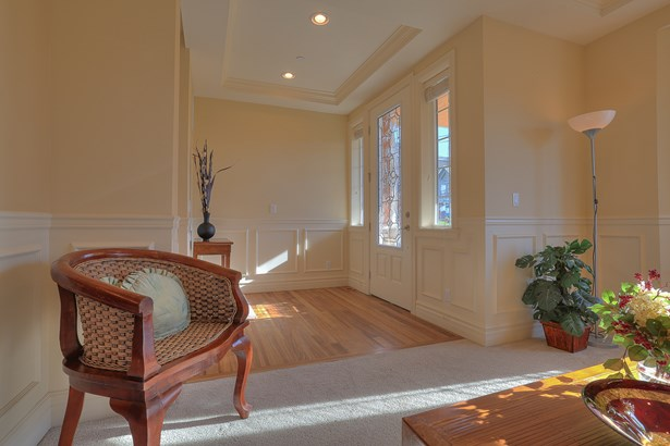 Custom Kennydale Home (photo 3)