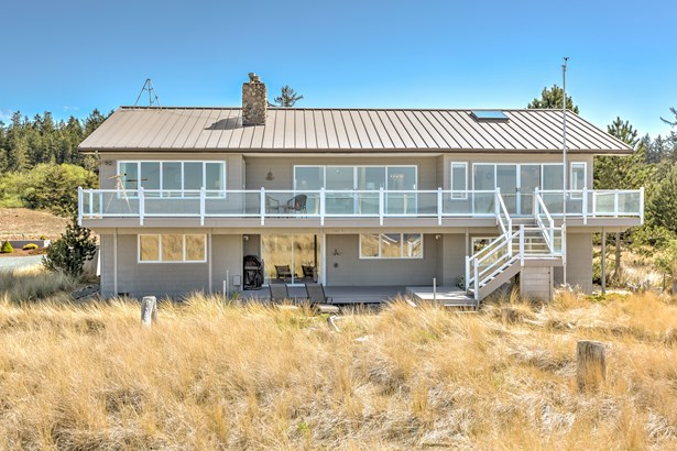 4801 Surfcrest Dr, Oak Harbor, WA - USA (photo 1)