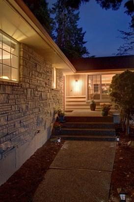10425 Ne 194th St, Bothell, WA - USA (photo 2)