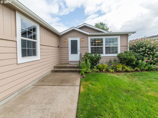 132 Village Dr, Cottage Grove, OR - USA (photo 2)