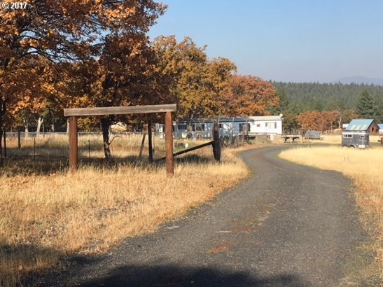 52271 Kelly Springs Rd, Maupin, OR - USA (photo 5)