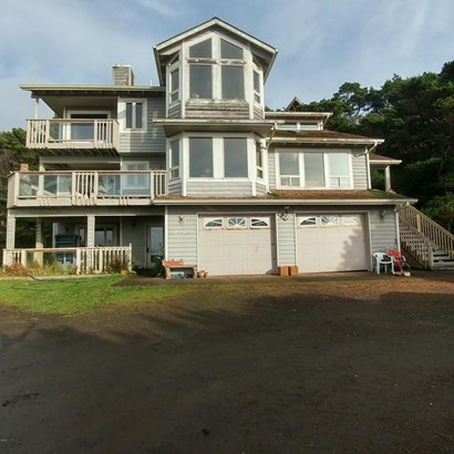 9045 Nw Pacific Coast Hwy, Seal Rock, OR - USA (photo 1)