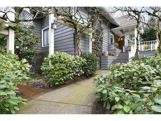 3795 Sw Chehalem Ave, Portland, OR - USA (photo 4)