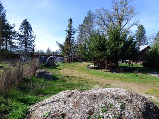 5151 Holland Loop Rd. Road, Cave Junction, OR - USA (photo 4)