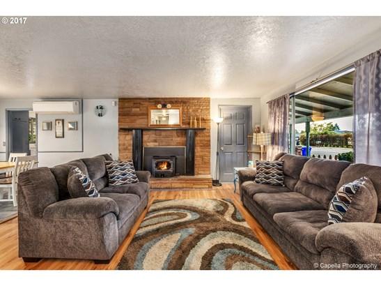 106 W Heintz St, Molalla, OR - USA (photo 4)