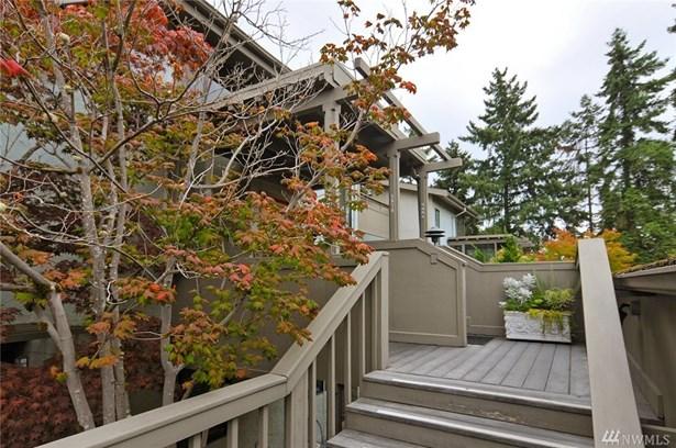 5882 Ne Park Point Dr F402, Seattle, WA - USA (photo 2)