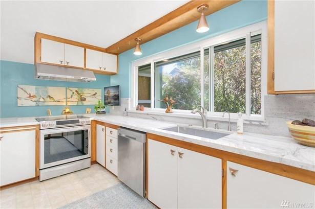 5653 S Avon St, Seattle, WA - USA (photo 3)