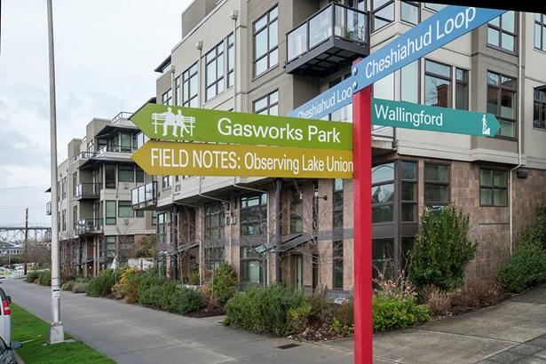 1730 N Northlake Wy 119, Seattle, WA - USA (photo 2)