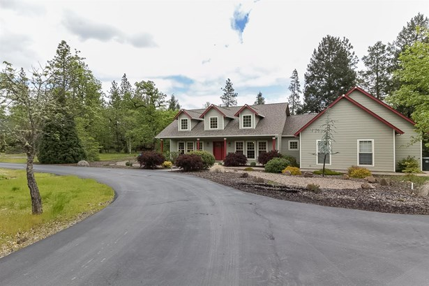 3993 Rogue River Drive, Eagle Point, OR - USA (photo 4)