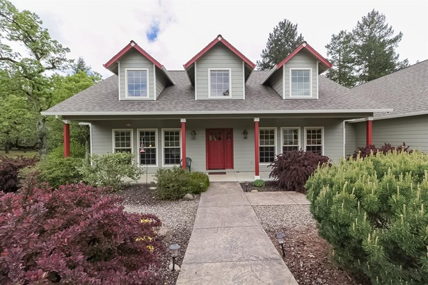 3993 Rogue River Drive, Eagle Point, OR - USA (photo 5)
