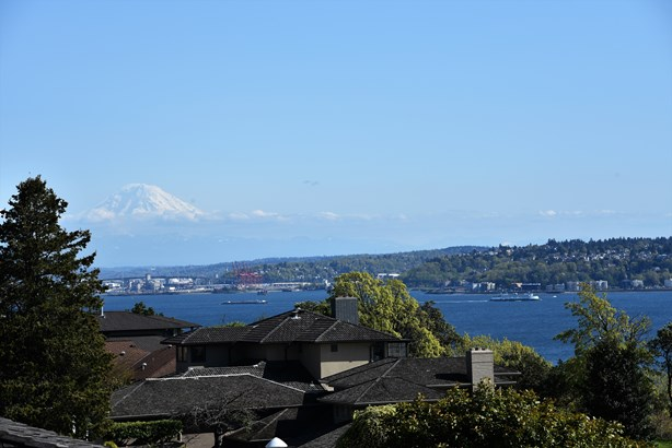 Views (photo 3)