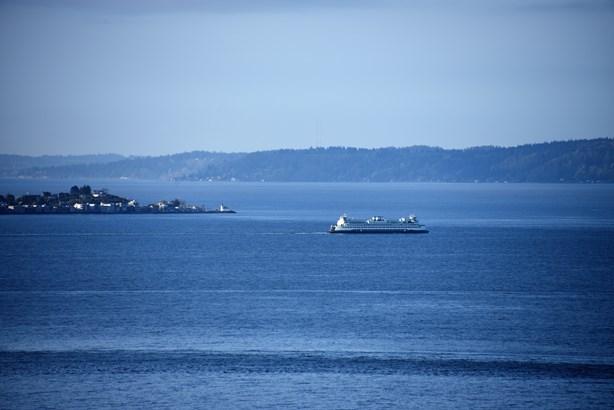 Views (photo 5)