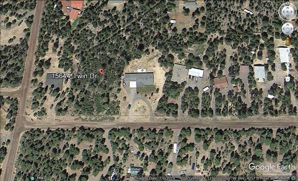15644 Twin Drive, La Pine, OR - USA (photo 1)