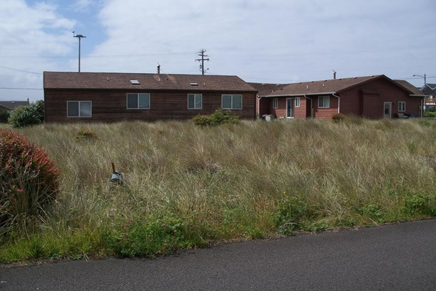 1603 Nw Oceanic Loop, Waldport, OR - USA (photo 5)