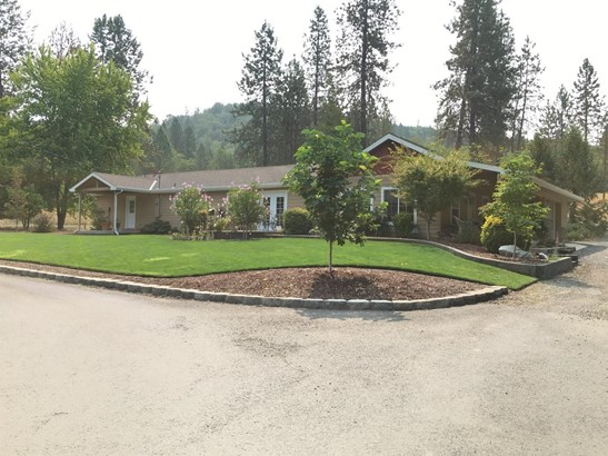2515 Dowell Road, Grants Pass, OR - USA (photo 1)
