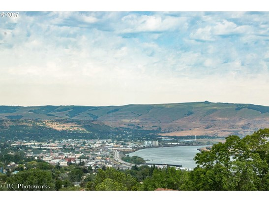 2525 E 18th St, The Dalles, OR - USA (photo 4)