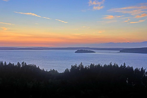 1097 Morgan Way, Camano Island, WA - USA (photo 2)