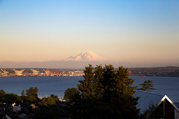 2409 Montavista Place W, Seattle, WA - USA (photo 2)