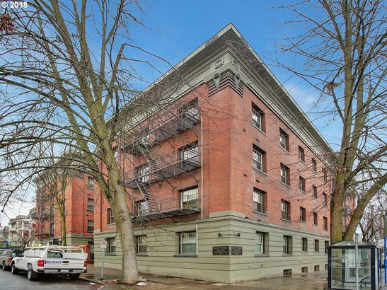 2109 Nw Irving St 308, Portland, OR - USA (photo 2)