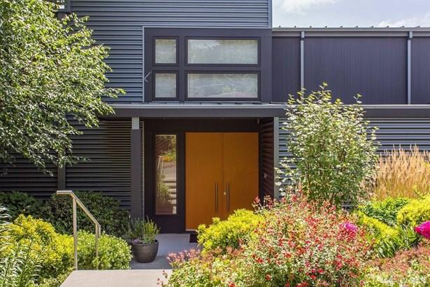 5505 S Upland Rd, Seattle, WA - USA (photo 2)