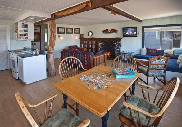 3244 Sw Anchor Ave, Lincoln City, OR - USA (photo 3)