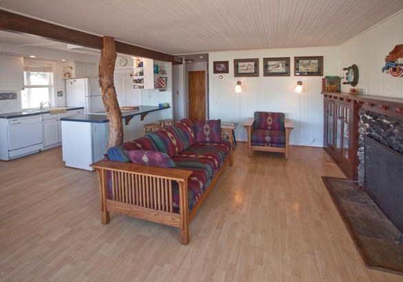 3244 Sw Anchor Ave, Lincoln City, OR - USA (photo 4)
