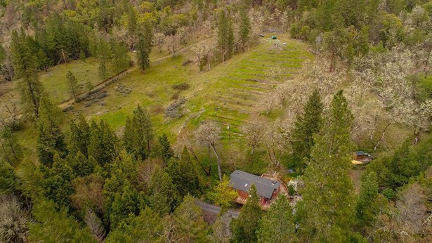 4781 Foots Creek Road, Gold Hill, OR - USA (photo 2)