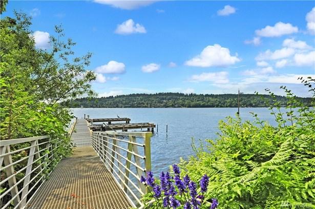 3907 Lake Washington Blvd N, Renton, WA - USA (photo 3)